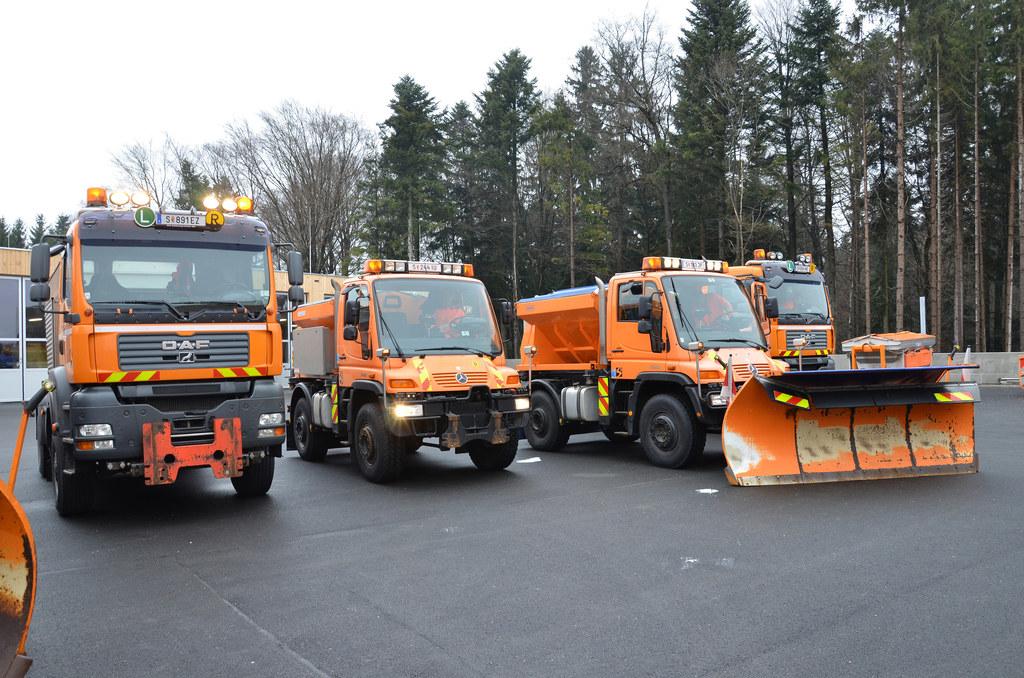 Die Straßenmeistereien und ihre über 120 Einsatzfahrzeuge sind bereit für den Wi..