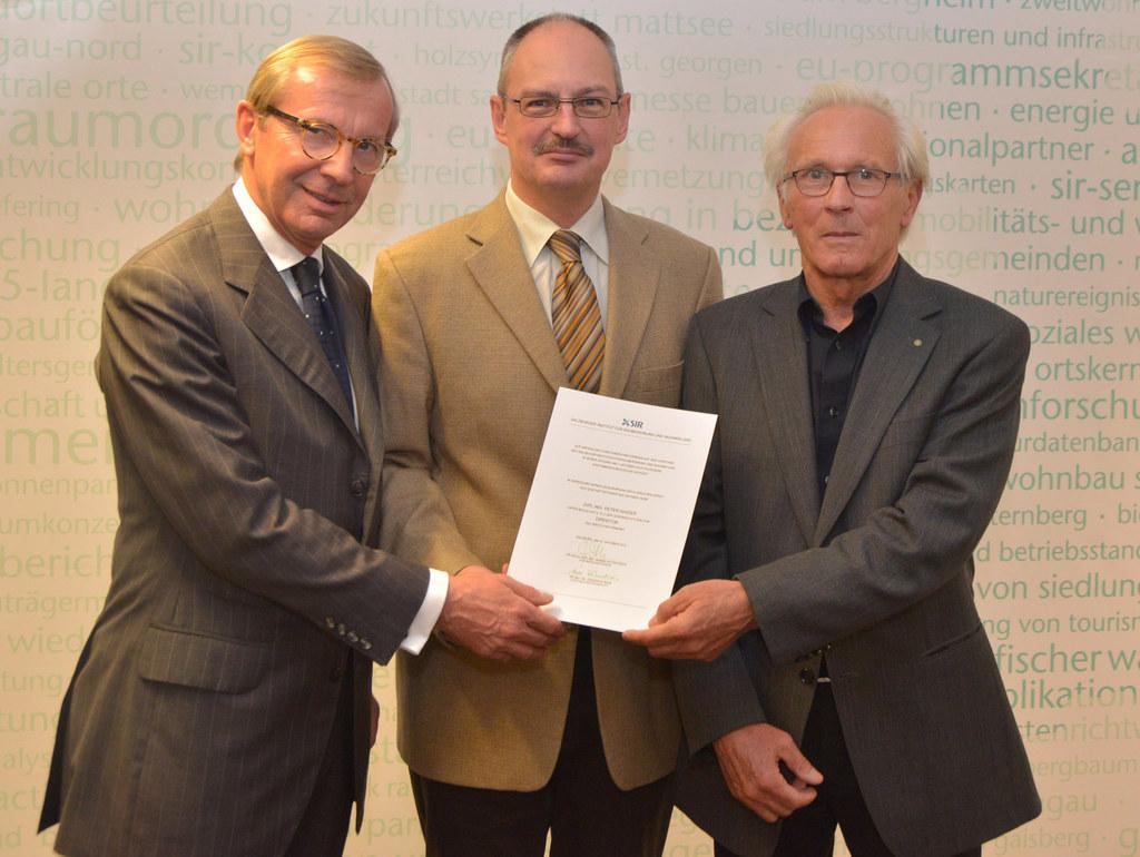 Landeshauptmann Dr. Wilfried Haslauer, Dipl.-Ing. Peter Haider und Arch. Dipl.-I..
