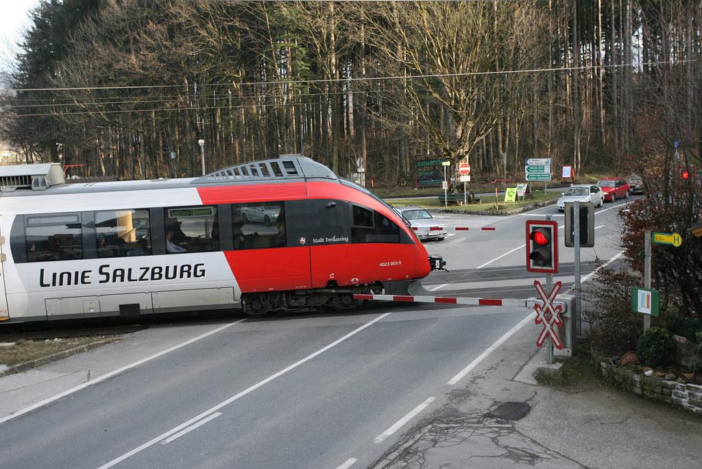 Mit der Inbetriebnahme der neuen Unterführung für Fußgänger- und Radfahrer schli..