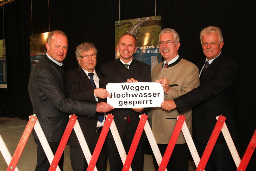 Bgm. Rupert Winkler, Bgm. Wolfgang Eder, LR Sepp Eisl, Wilfried Schimon (Lebensm..