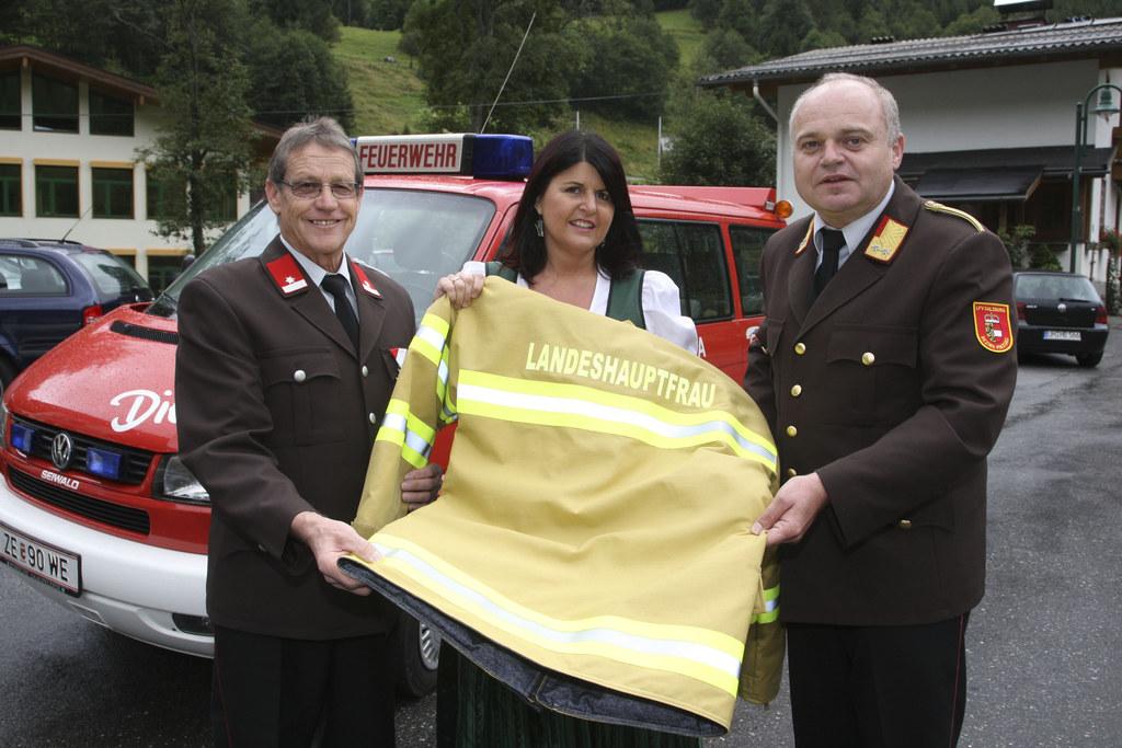 Einweihung eines neuen Feuerwehrfahrzeuges in Dienten