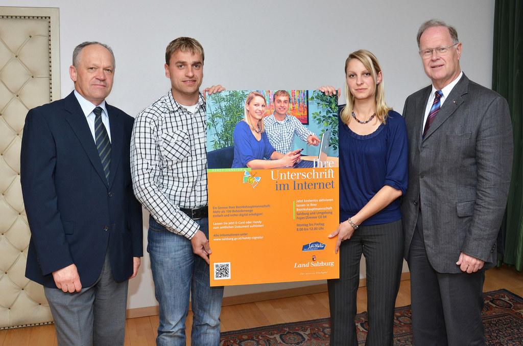 Bild v.li.: Bezirkshauptmann HR Mag. Reinhold Mayer, Bernhard Lerchner, Christin..