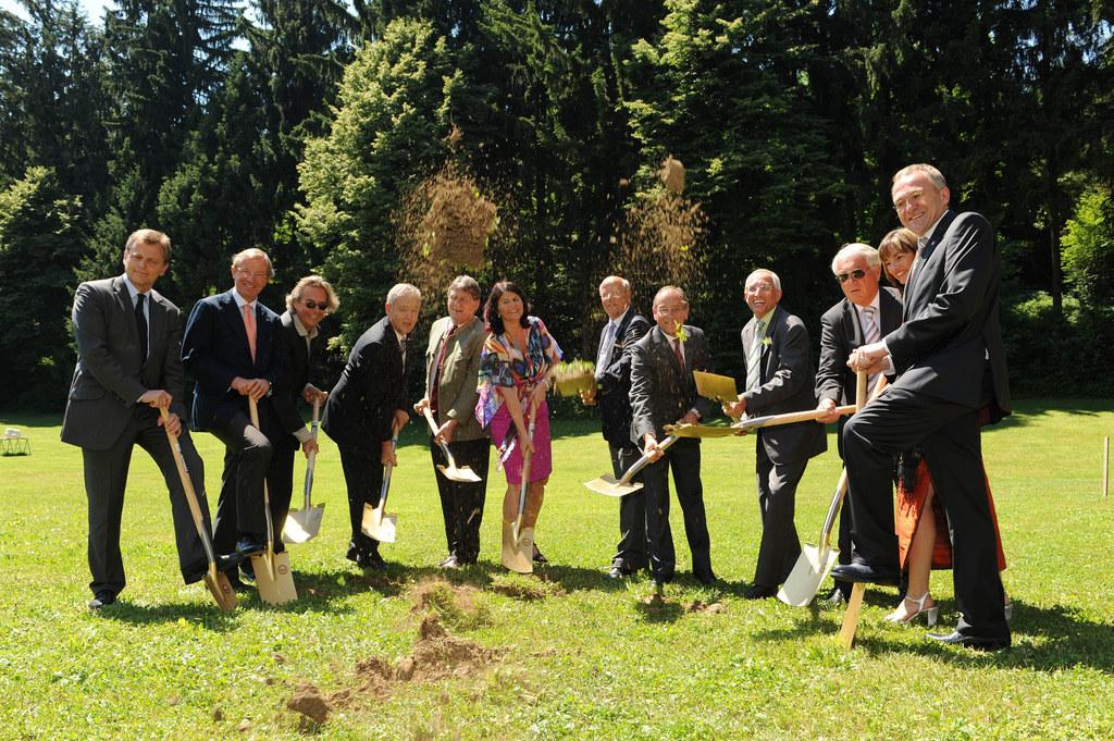 Spatenstich für den Erweiterungsbau der  Fachhochschule in Puch-Urstein