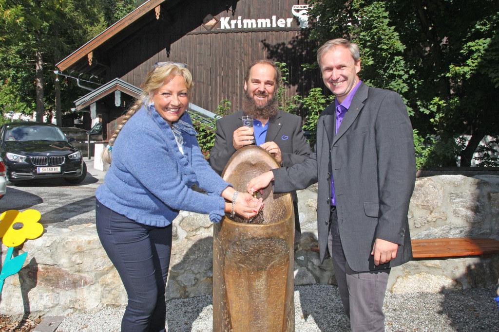 Landesrätin Tina Widmann, Hans Grander und Erich Czerny (Bürgermeister Krimml)