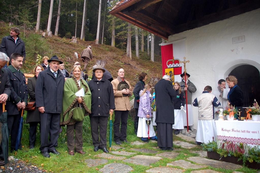 Einweihung der renovierten Sixtkapelle in Wald im Pinzgau. LR Tina Widmann mit B..