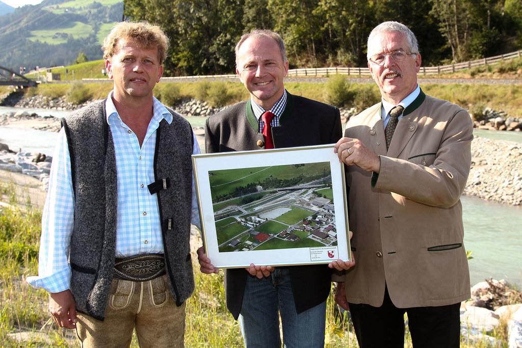 Eröffnung des Hochwasserschutzes in der Gemeinde Hollersbach