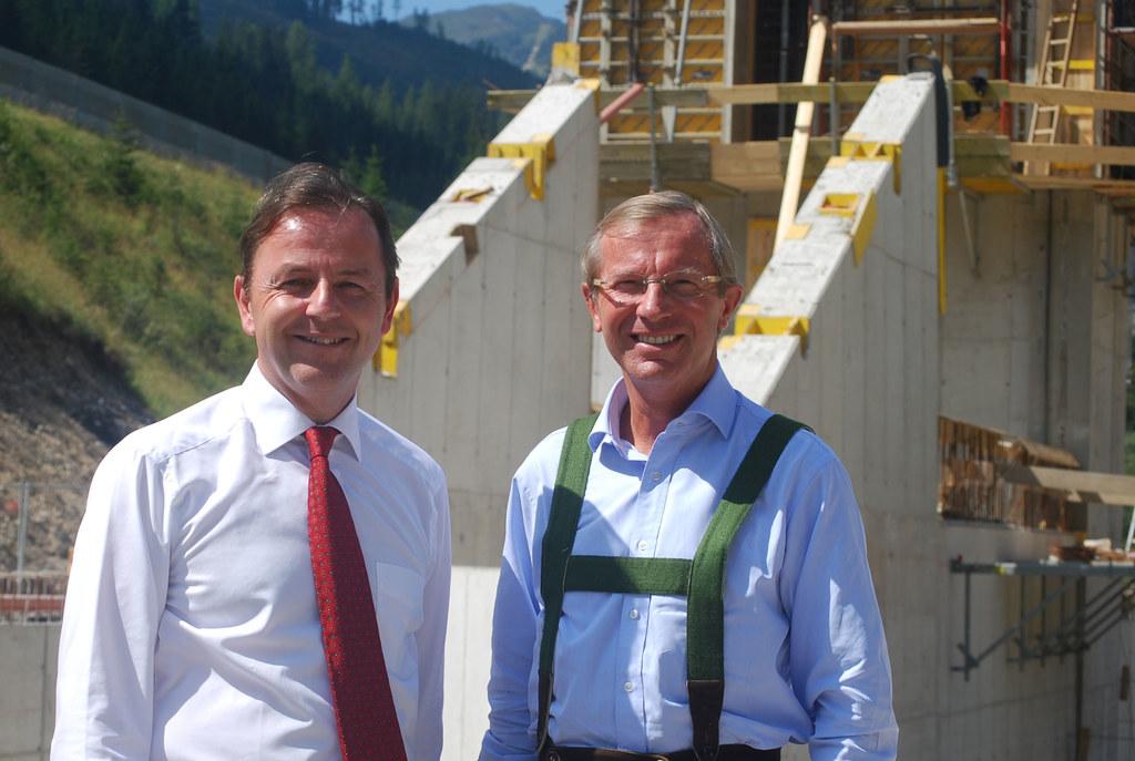 Lokalaugenschein auf der Baustelle des Hochwasserschutz-Projektes in Flachau