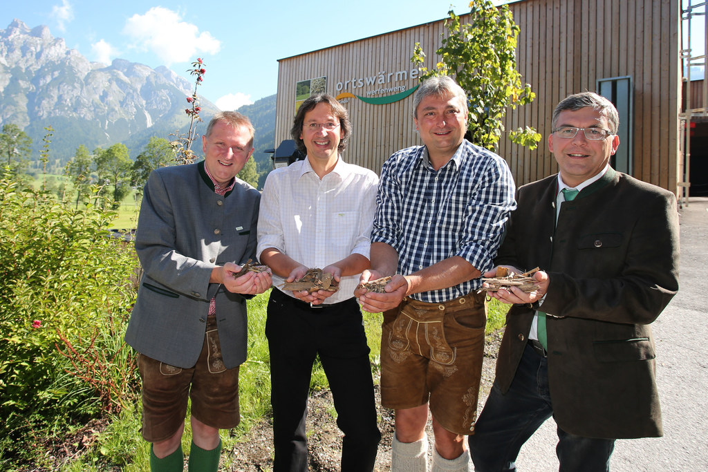 Bgm. Peter Brandauer, Projektleiter Ewald Jaunegg, GF Alois Lottermoser und LR D..