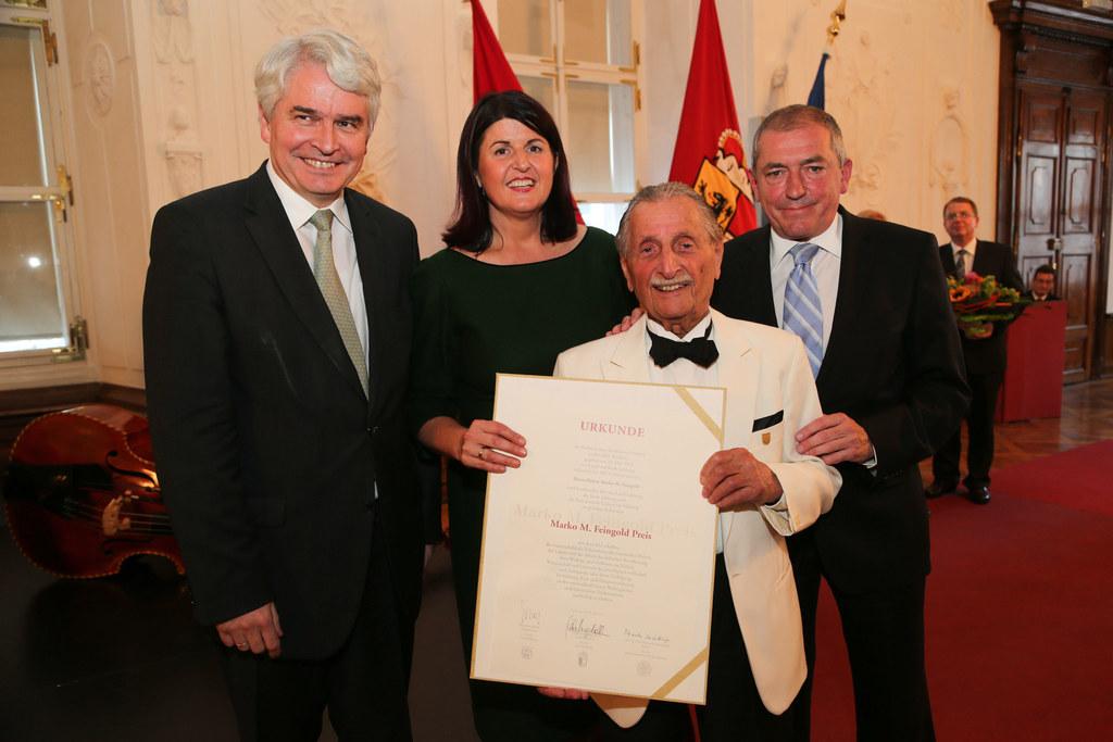 Rektor Prof. Heinrich Schmidinger, LHF Mag. Gabi Burgstaller, Marko Feingold und..