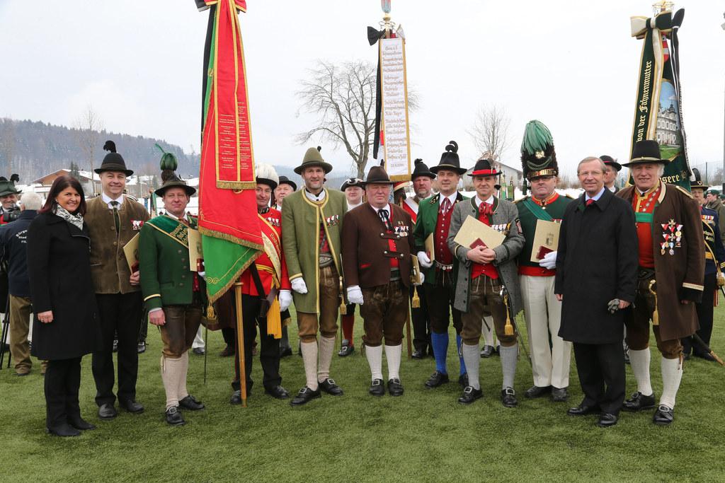Sieben verdiente Mitglieder der Salzburger Schützenkompanien wurden bei der Anto..
