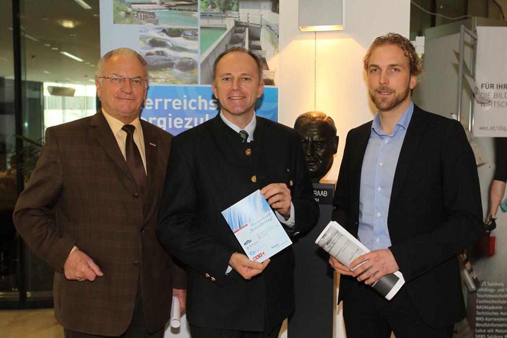 Wirtschaftskammerpräsident  Schmalz, Landesrat Eisl und Dipl.-Ing. Sendlhofer vo..