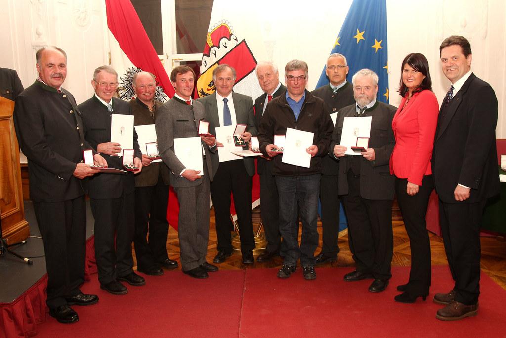 Ehrungen verdienter Mitglieder der Lawinenkommissionen im Land Salzburg