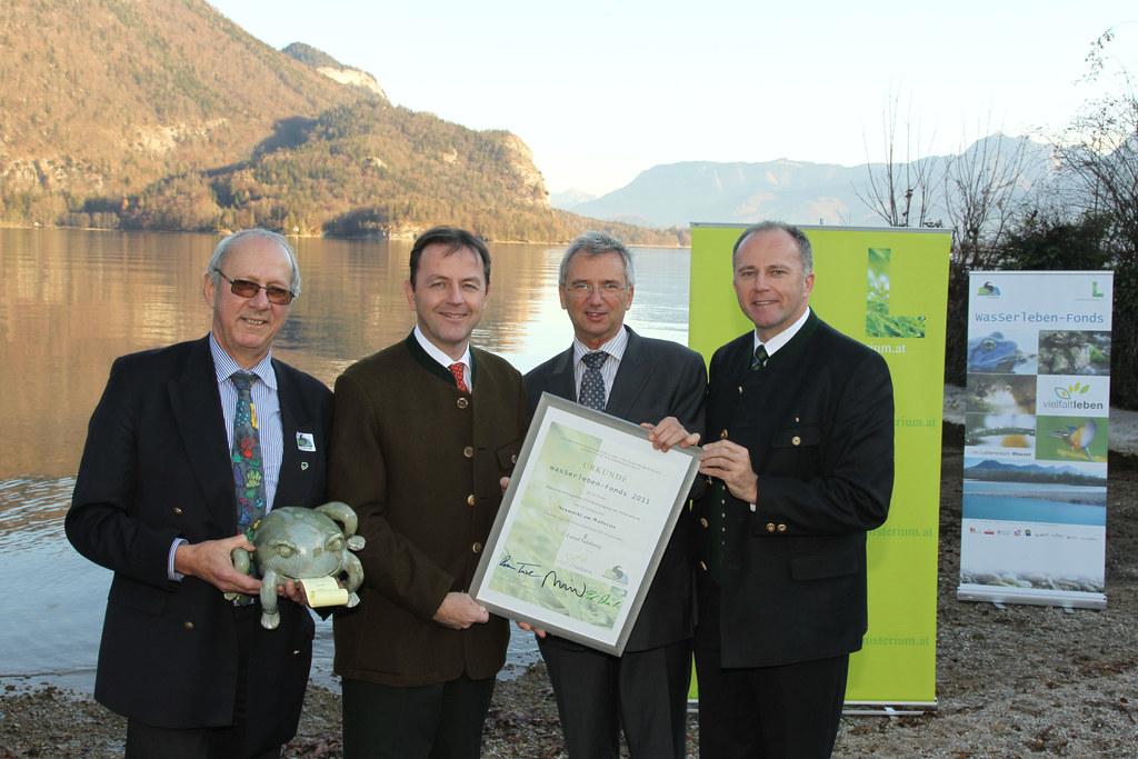 Wasser-Lebensfonds Preis v.l.  Roman Türk (Naturschutzbund), Bundesminister Niki..