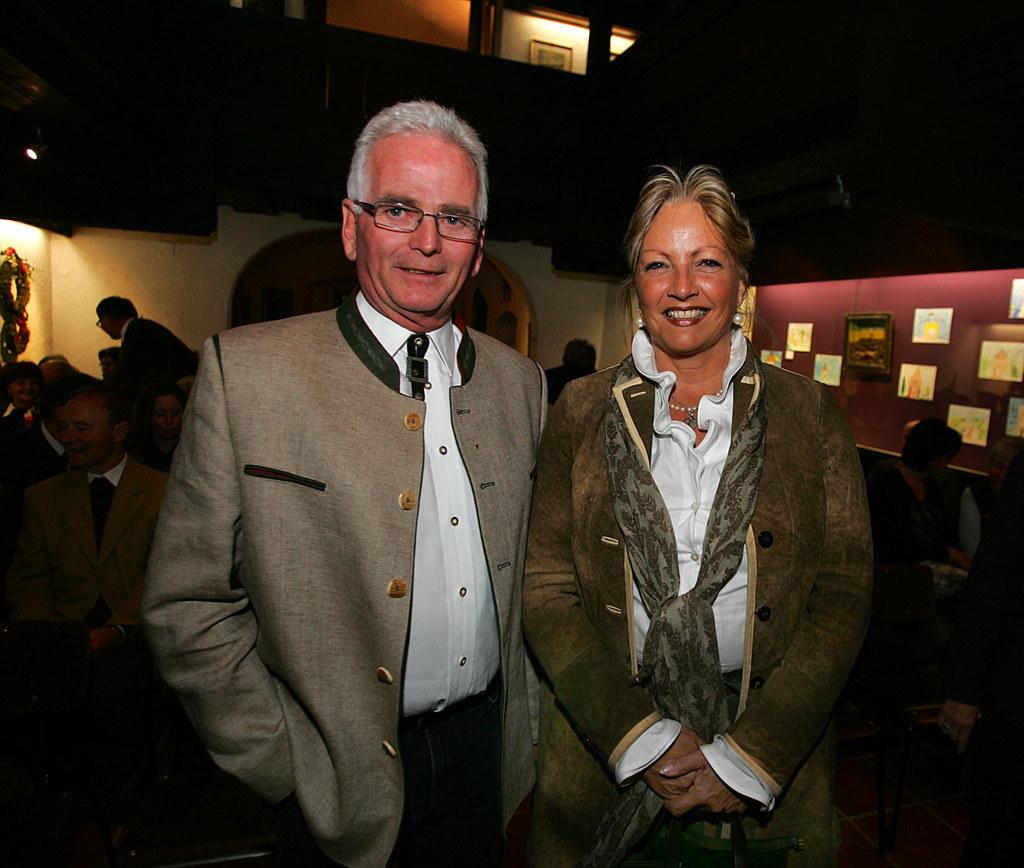 Bild v.li.: Saalfeldens Bürgermeister Günter Schied und Landesrätin Dr. Tina Wid..
