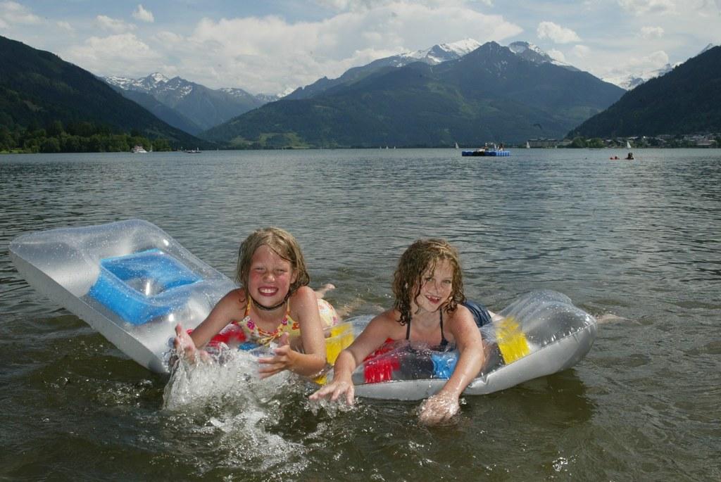 Ungetrübte Badefreuden garantieren die Seen des Landes.