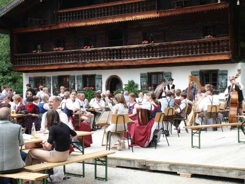 Kulinarisches und Musikalisches im Salzburger Freilichtmuseum