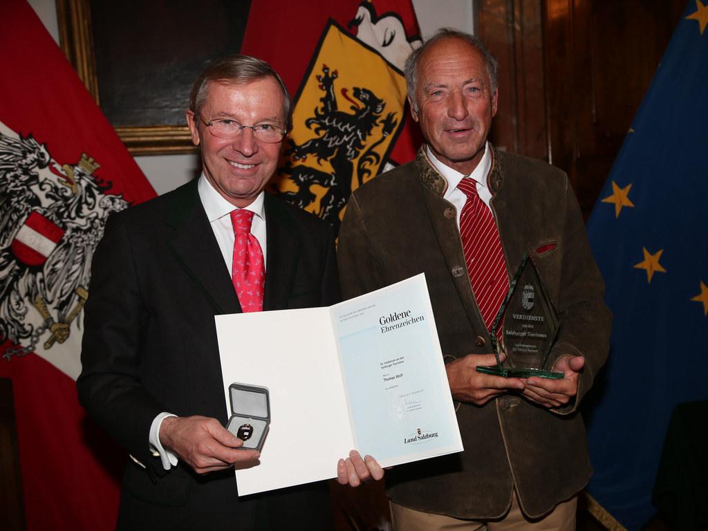 Landeshauptmann Dr. Wilfried Haslauer bei der Verleihung des Ehrenzeichens in Go..