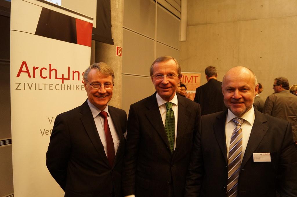 Bild v.li.: Vizepräsident DI Günther DOLLNIG, Architekt; Landeshauptmann Dr. Wil..