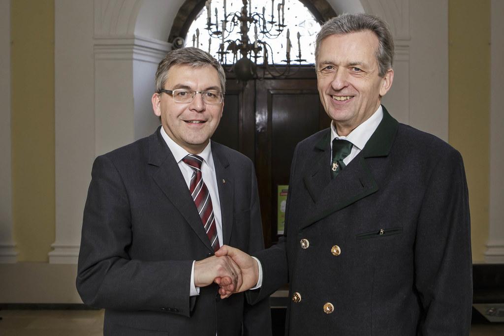 Landesrat Dipl.-Ing. Dr. Josef Schwaiger und Hofrat Dr. MAS Wolfgang Exner
