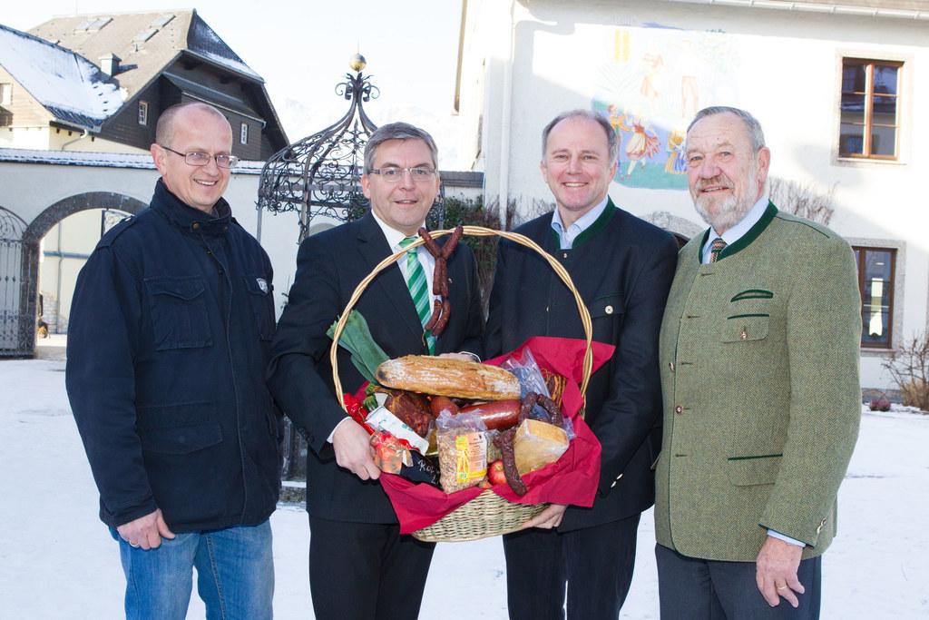 Im Bild v.l.: Heinz Lintschinger, Landesrat Dipl.-Ing. Dr. Josef Schwaiger, Dr. ..