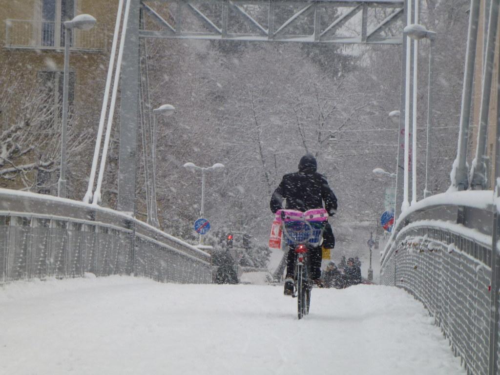 Radeln im Winter hält fit.