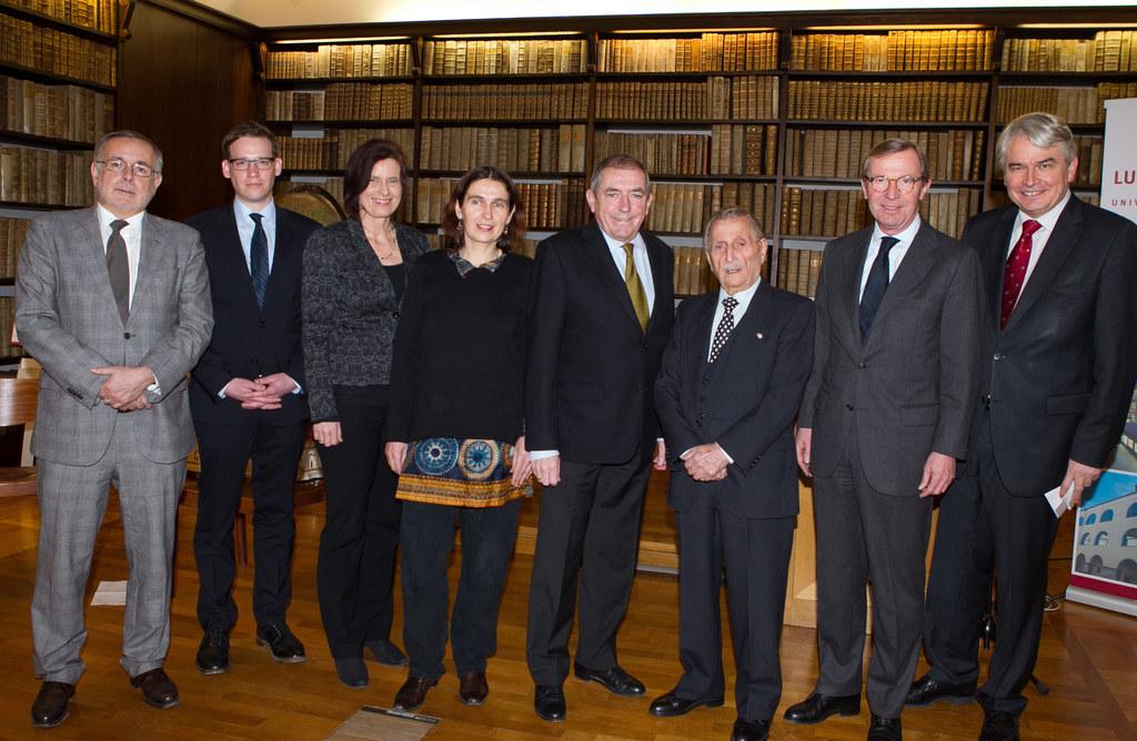 Jurymitglied Univ-Prof. DDr. Oliver Rathkolb, die Preisträger Dr. Jacob Eder und..