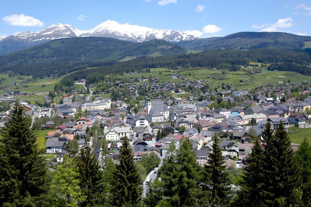 Der östlichste Punkt liegt in der Gemeinde Tamsweg.