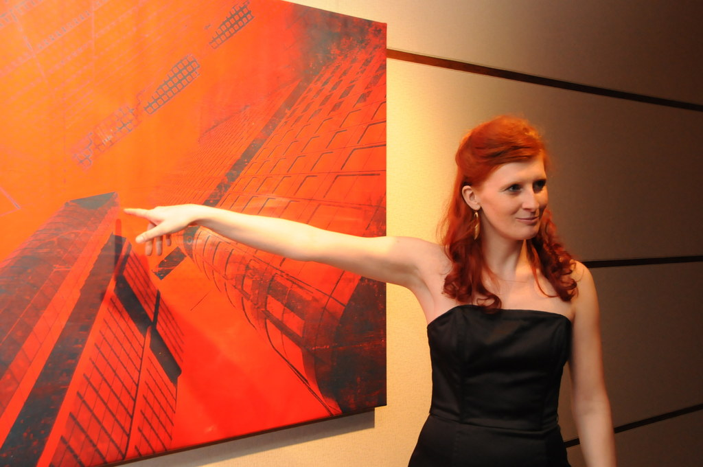 Martina Stock bei ihrer Vernissage im Österreichischen Kulturinstitut Washington