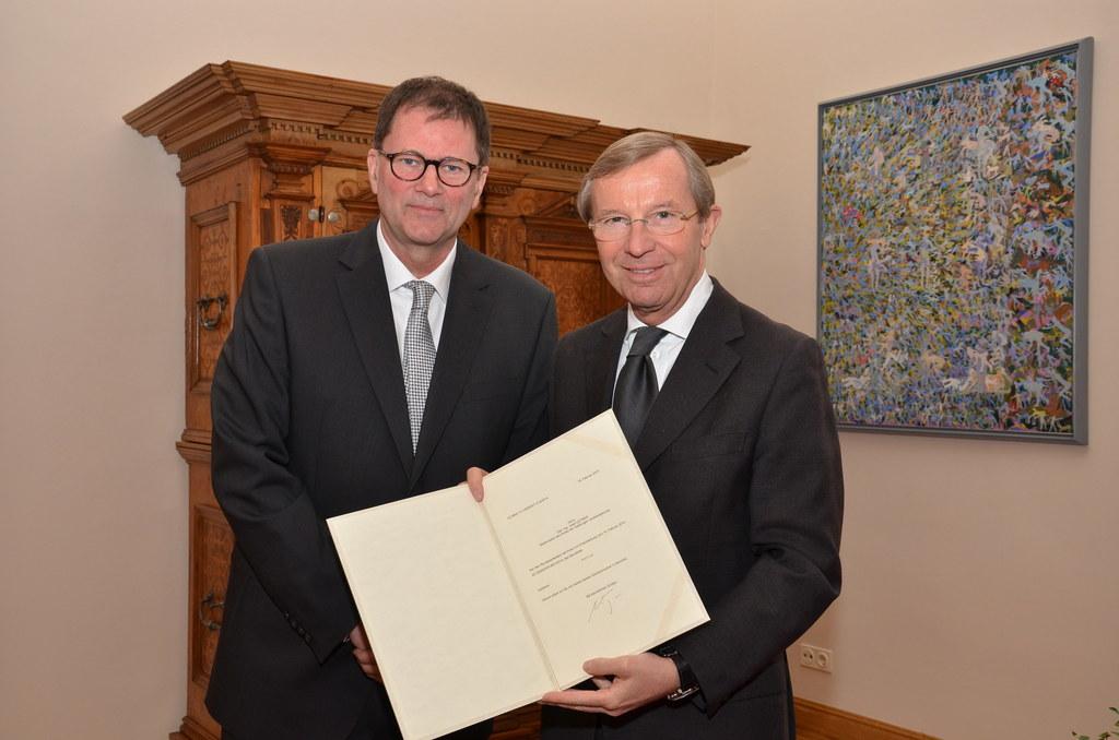 Hofrat Dipl.-Ing. Josef Leitner und Landeshauptmann Dr. Wilfried Haslauer