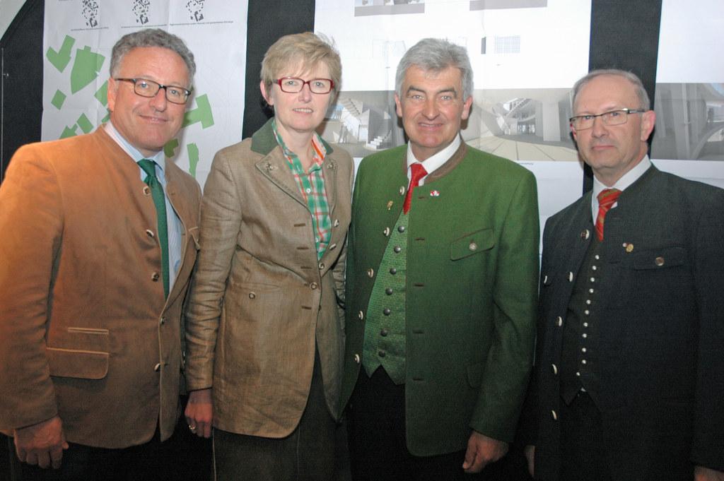 Landesrat Dr. Heinrich Schellhorn , GF Berta Wagner, neuer Vorsitzender Landtags..