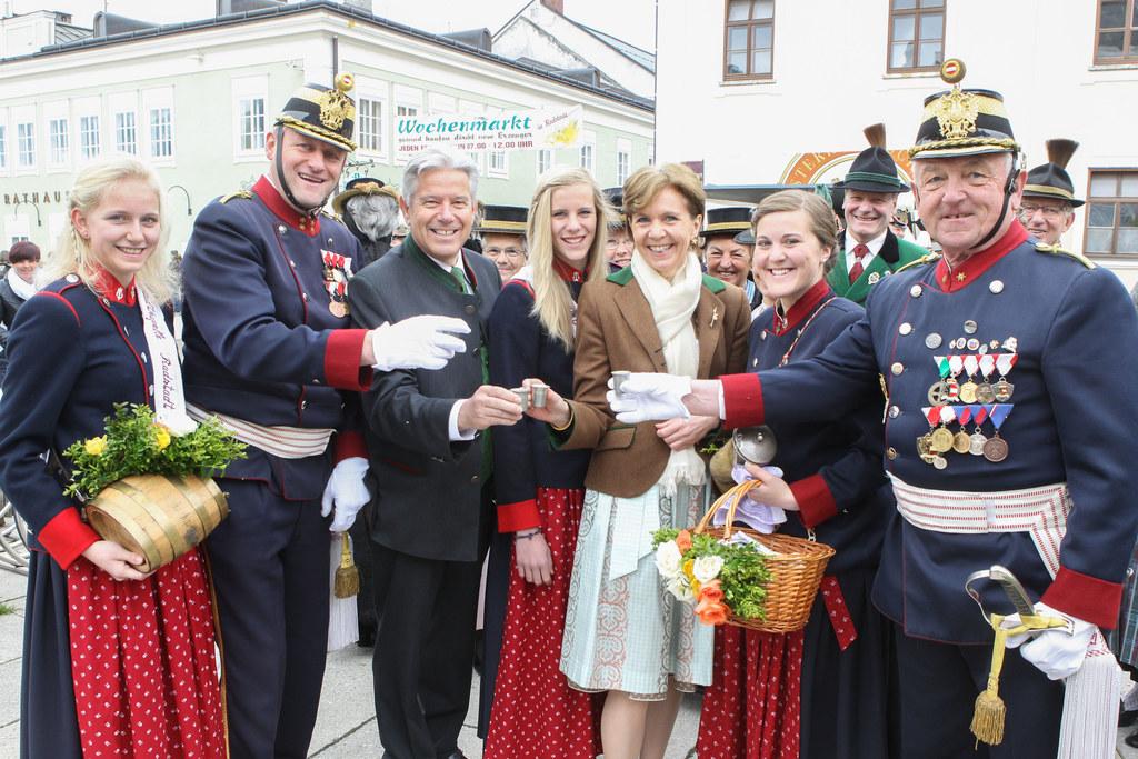 Anna Kaswurm, Franz Kahr, Bgm. Radstadt Josef Tagwercher, Victoria Kahr, Landtag..