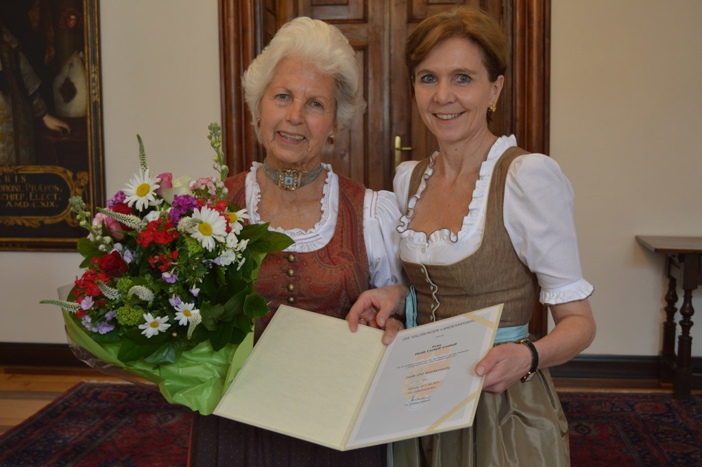 Bild v.li.: Heidi Castell-Castell und Landtagspräsidentin Dr. Brigitta Pallauf