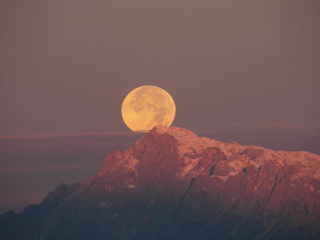Auf dem Gipfel des Hochkönigmassivs befindet sich die höchste Erhebung sowohl vo..