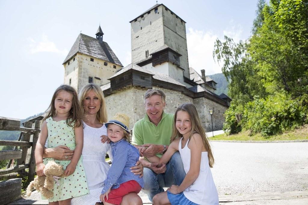 Am Vatertag freier Eintritt für Väter im Burgerlebnis Mauterndorf