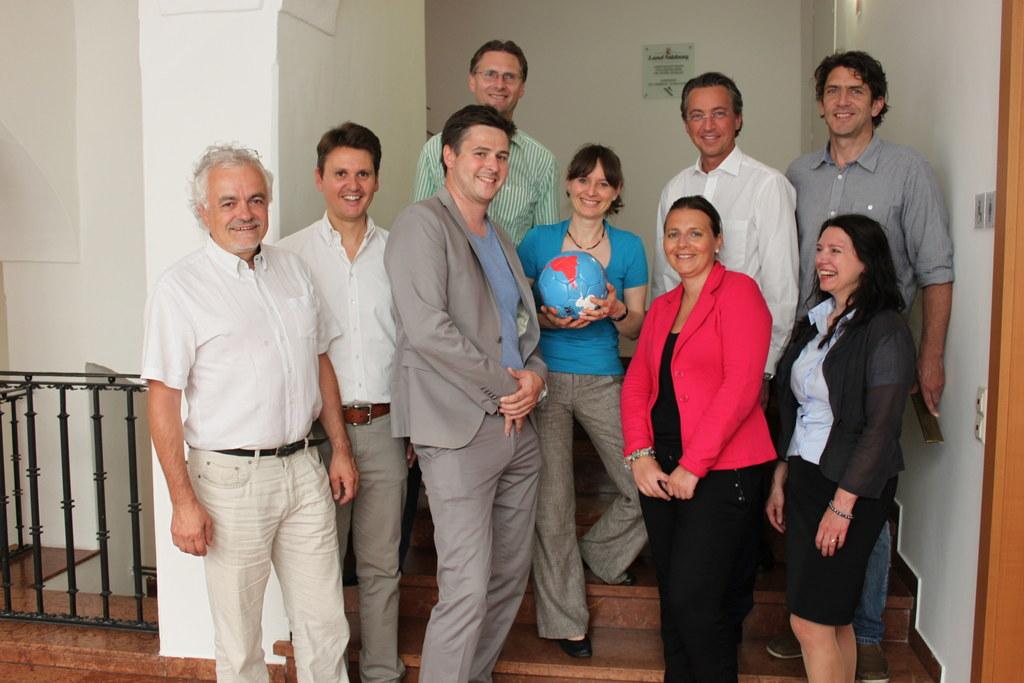 Landesrätin Mag. Martina Berthold mit den Teilnehmerinnen und Teilnehmern