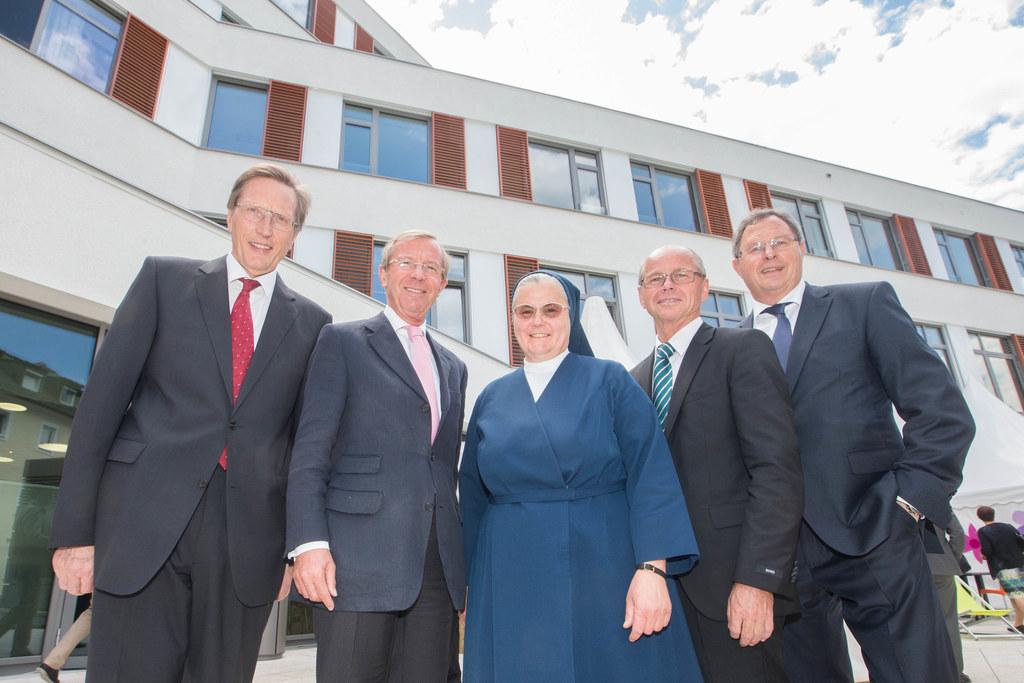 Primar Reinhard Lenzhofer, Landeshauptmann Dr. Wilfried Haslauer, Schwester Kath..