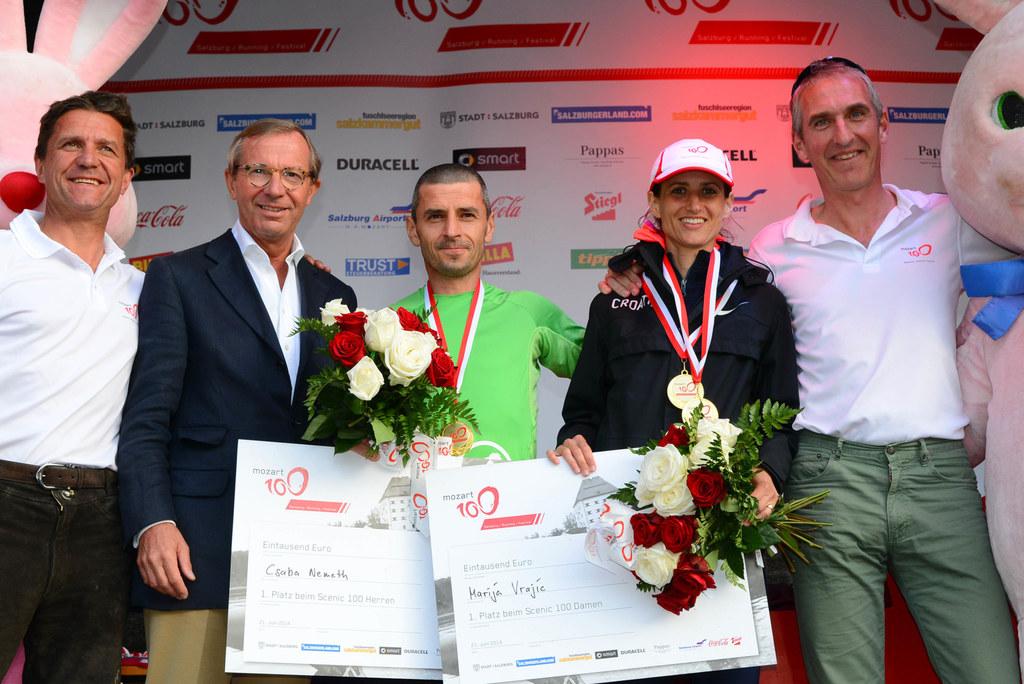 Bild v.li.: Josef Mayrhofer (Organisator), Landeshauptmann Dr. Wilfried Haslauer, Csaha Nemec (Sieger 100 KM Herren) aus Ungarn (auch Sieger 2013), Marija Vrajic (Kroatien) und Michael Fried (Organisator)