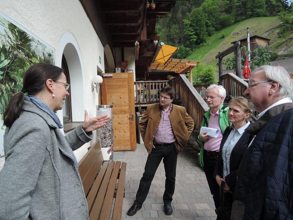 Christine Klenovec (Naturpark-Geschäftsführerin) , Bgm. Josef Michael Hohenwarte..