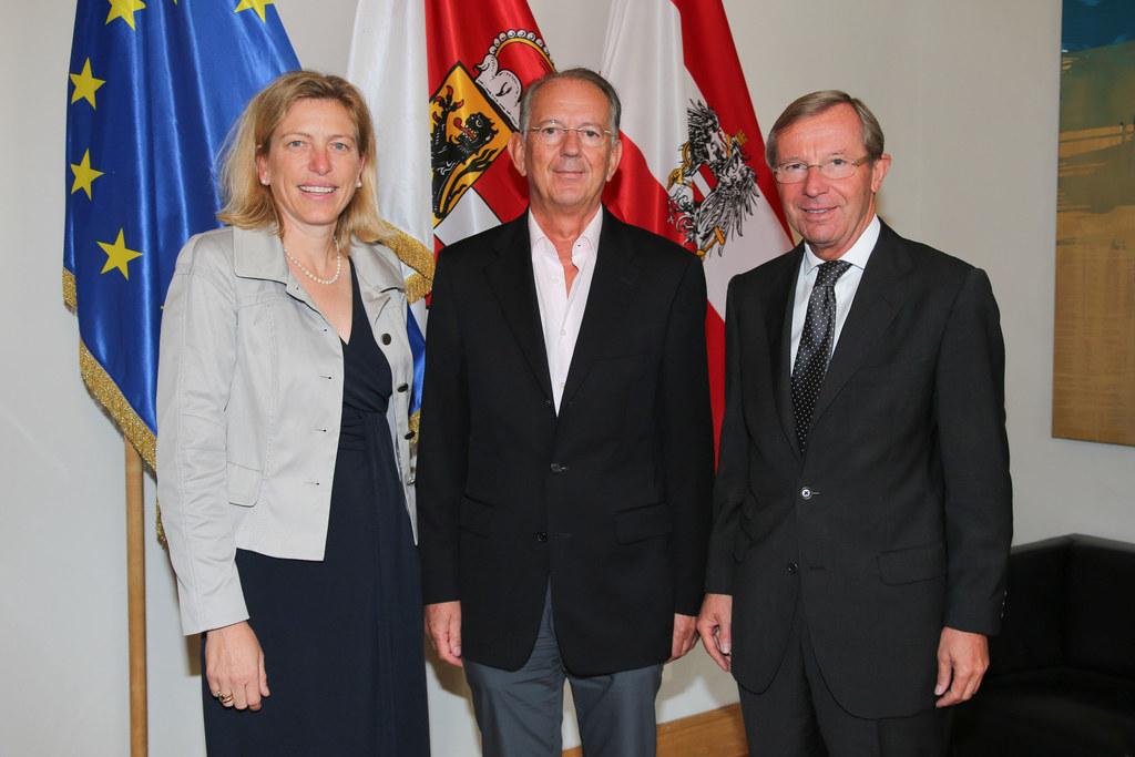 Sabine Kornberger-Scheuch LGF RK, Dr. Werner Aufmesser RK Präsident und LH Dr. W..