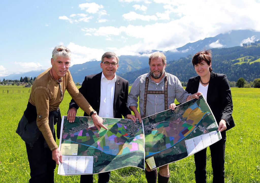 Dipl. Ing. Wolfgang Haupolter (Projektleiter), Landesrat Dipl.-Ing. Dr. Josef Sc..