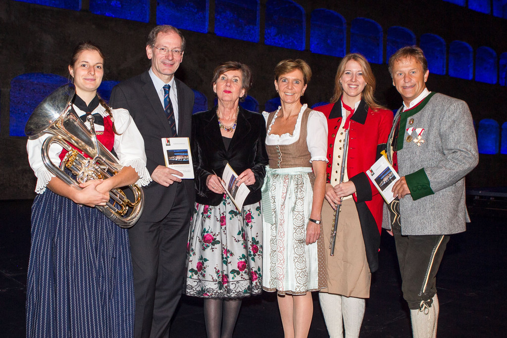 Katrin Egger aus Südtirol, Prof. Clemens Hellsberg, Helga Rabl- Stadler, (Präsid..