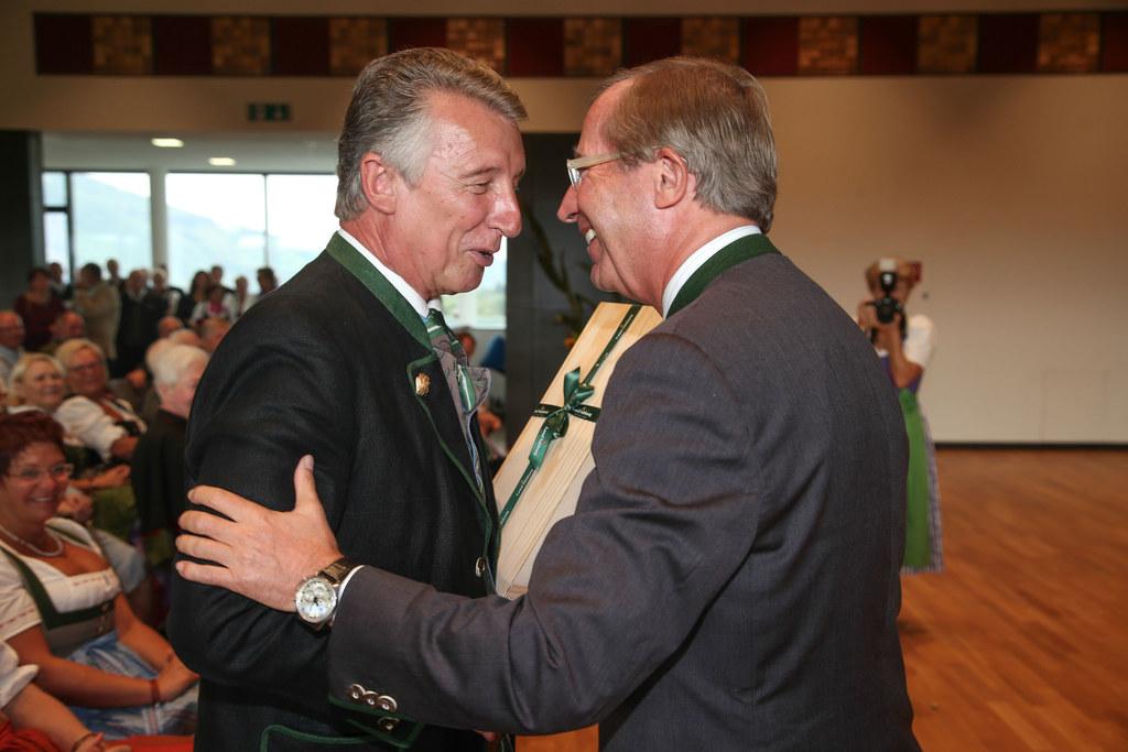 Bürgermeister a.D. Helmut Mödlhammer und Landeshauptmann Dr. Wilfried Haslauer