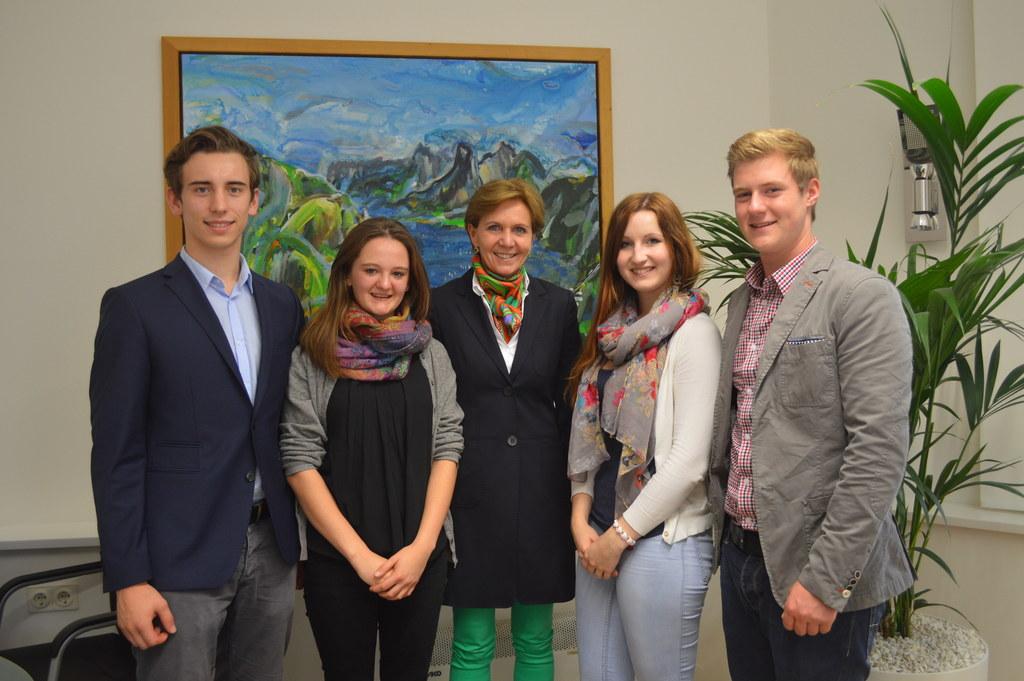 Johannes Schwaighofer, AHS Landesschulsprecher; Lydia Zehentner, Mitglied zur AH..