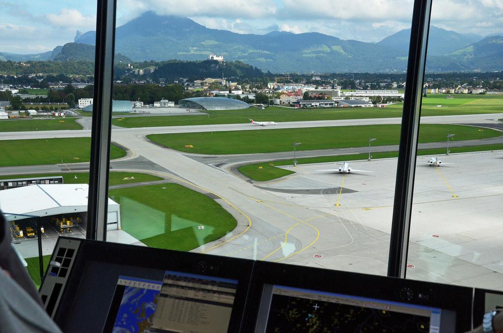 Die Konzentration vieler Airlines auf die internationalen Großflughäfen gefährde..