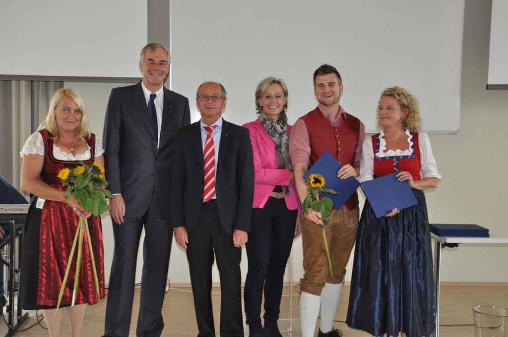 Betriebsratsvorsitzende Christine Vierhauser, Univ.-Prof. Dr. Dr. h.c. Jürgen Os..