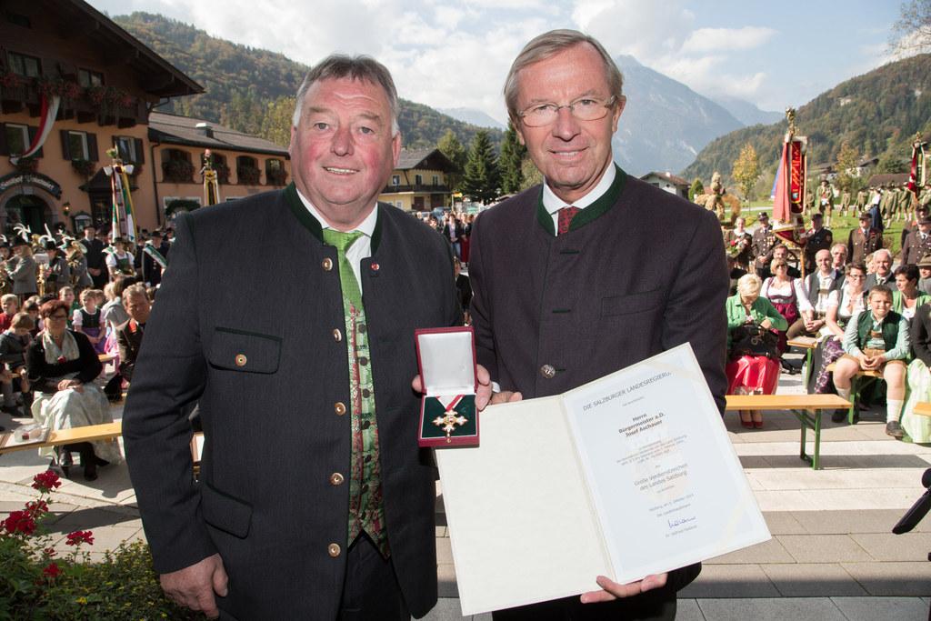 Josef Aschauer und Landeshauptmann Dr. Wilfried Haslauer