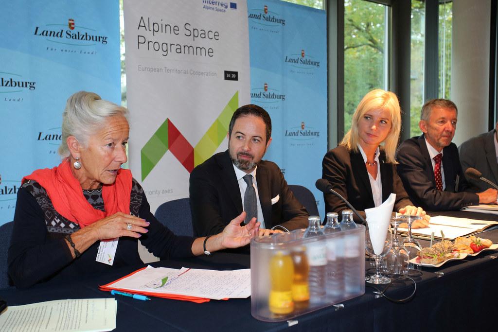Claire Bouchet Landesrätin für regionale Entwicklung der Region Provence-Alpes-C..