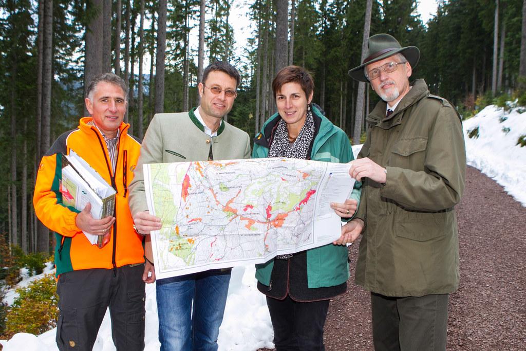 Markus Kölbel, Thomas Zanker (Teilbereichsleiter Naturschutz), LH Stv. Dr. Astri..