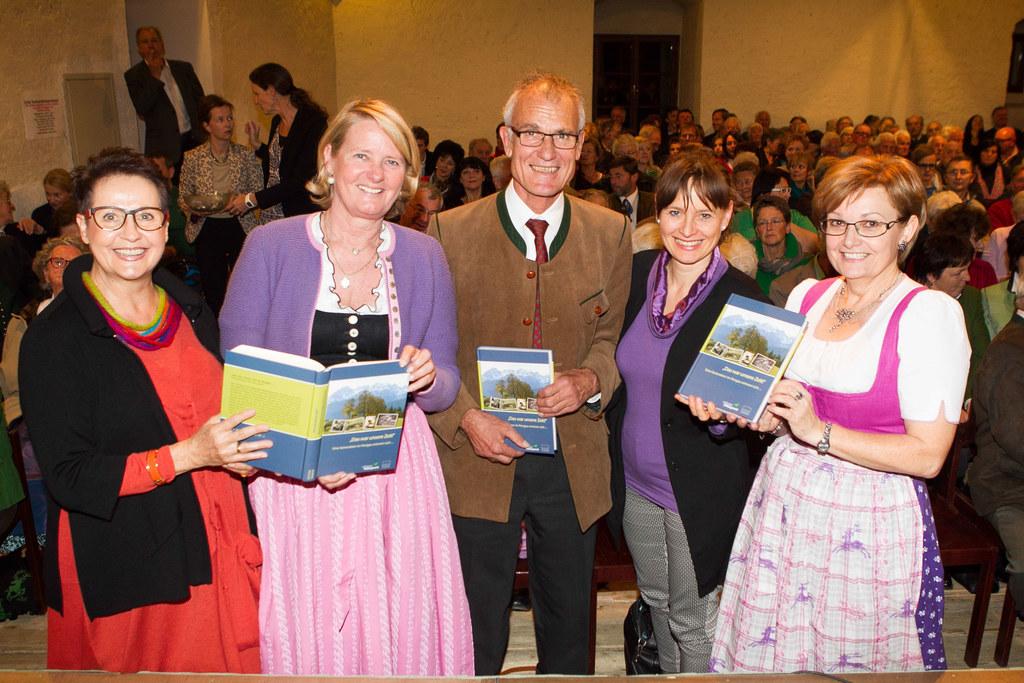Heidelinde Kalhammer (Redaktionsleitung Pongaubuch), Doraja Eberle (Erste Stiftu..