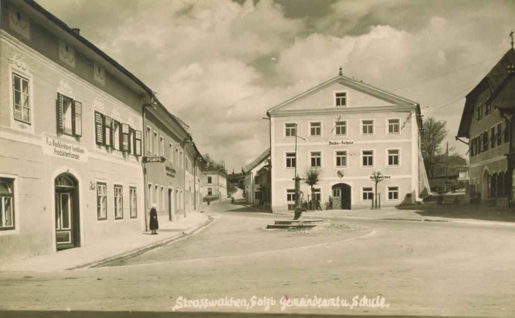 Im Straßwalchener Gemeindeamt hob früher ein bayerischer Mautner Steuern ein.